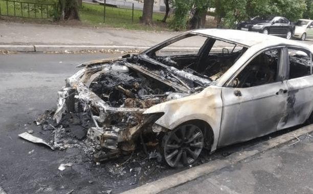 Кримінальні Бровари: місцева мафія спалила автівку адвоката грального закладу